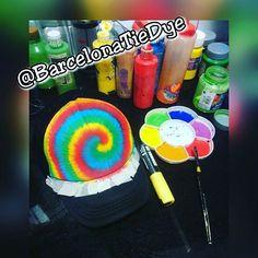 Pruebas 👊 (((( Arte en la gorra )))) Tie Dye made in Barcelona, pide la tuya 🌺👊👕 #barcelonatiedye #tiedye #Posca #hibiscus #dreadlocks #palmeras #marijuana #skull #cap #gorra #spraypaint #Barcelona #Raval #handmade #handpainted #Stencil #stencilart #art #Dye #pintadoamano #pintadoamao #bmx #surf #skate #longboard #surf #paddle #pat77 #aloha #tshirt #sk8 @acrilexoficial @pinturas_lapajarita