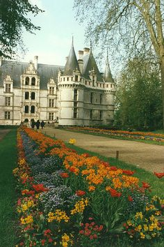 Château d'Azay-le-Rideau - Burgundy, France - built 1518-1527 on an island in the Indre River on the site of a former feudal castle destroyed during the Hundred Years War - prime example of French renaisance architecture - now listed a French historical monument & a UNESCO World Heritage Site