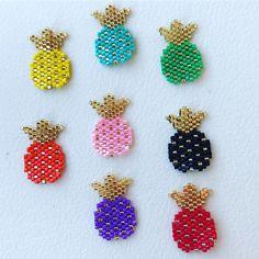 renkli ananaslar #merveceritbozcaada #miyuki #miyukibeads #bozcaada #bozcaadasokakları #boncuk #handmade #handmadejewelry #sarıpano #elyapımı #sipariş #hediye #kendimiçin #ananas