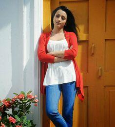 Trisha Krishnan HD Images, Latest Pics and New Photos Gallery Indian Actress Photos, South Indian Actress, Indian Actresses, Trisha Photos, Beauty Redefined, Cinema Actress, Bollywood Girls, Telugu Cinema, Western Wear