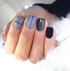 Looking for easy nail art ideas for short nails? Look no further here are are quick and easy nail art ideas for short nails. Nail Art Hacks, Easy Nail Art, Cool Nail Art, Yellow Nails Design, Yellow Nail Art, Short Nail Designs, Best Nail Art Designs, Art Jaune, Romantic Nails