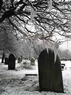 Snowy Graveyard by ~Evil-elz on deviantART