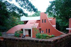 Sculpturous House in Auroville, Viluppuram (Tamil Nadu)