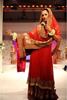 Shadiplanning provides all the information you need to plan your wedding in Pakistan. From venues to bridal fashion and make-up, find it here!