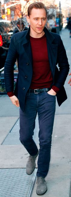Tom Hiddleston outside the AOL Build studios on March 6, 2017. Via Torrilla. Higher resolution image: http://ww4.sinaimg.cn/large/6e14d388ly1fde2bxinjij21fo2s0dvk.jpg