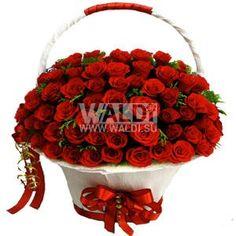 Ярко красная корзина с нежными бархатными розами в количестве 101 шт с добавлением зелени и декора. Количество роз в композиции может изменяться по вашему желанию.