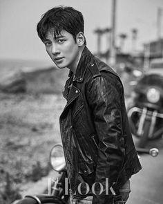 Ji Chang Wook Shares What Drew Him Into Riding Motorcycles And Choosing His Upcoming Drama Ji Chang Wook Smile, Ji Chan Wook, Ji Chang Wook Abs, Asian Actors, Korean Actors, Ji Chang Wook Photoshoot, Korean Photoshoot, F4 Boys Over Flowers, Empress Ki