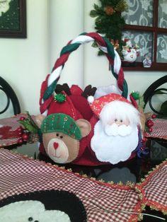 PANERA CON CARAS DE NAVIDAD Easy Christmas Ornaments, Simple Christmas, Christmas Crafts, Merry Christmas, Mary, Holiday Decor, Handmade, Gifts, Felting