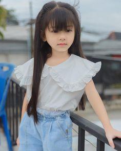 Cute Kids Pics, Cute Little Baby Girl, Cute Baby Girl Pictures, Cute Girl Poses, Girl Photos, Cute Girls, Cute Asian Babies, Asian Kids, Cute Kawaii Girl