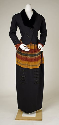 1914 wool and silk Suit by House of Premet, French.