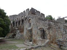Splendidi abbandoni: le città fantasma in Italia e nel mondo. Monterano, Lazio, Italia.