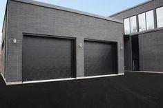 Portes de garage Garex / Modèle Urbaine / Couleur: noir / www.garex.ca