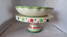 FOOTED SERVING STAND & QUICHE DISH