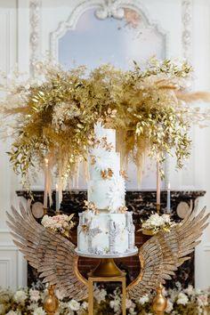 Modern Myth in 2020 Tall Wedding Cakes, Luxury Wedding Cake, Wedding News, Wedding Venues, Wedding Decor, Wedding Stuff, Event Planning Design, Event Design, Vera Wang Gowns