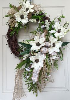Everyday Round Grapevine Wreath by WilliamsFloral on Etsy https://www.etsy.com/listing/238772025/everyday-round-grapevine-wreath