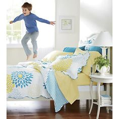Full Bloom Quilt and Sham from Ginny's ®
