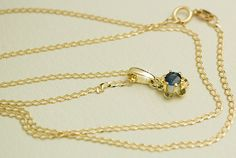 Leuchtend schöner SAPHIR SOLITÄR Anhänger aus von GoldenShop24 Sapphire Pendant, Blue Sapphire, Arrow Necklace, Ebay, Chain, Beautiful, Color, Jewelry, Sapphire