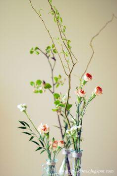 SAS does ...: Spring flower arrangements