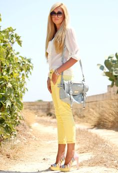 I love colored jeans!!