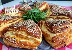 German fluffy buns (which Laugeneck) - Yummy Recipes Turkish Recipes, Homemade Beauty Products, French Toast, Yummy Food, Delicious Recipes, Food And Drink, Meals, Cooking, Breakfast