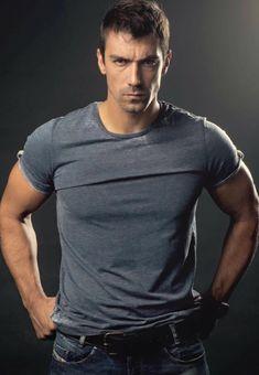 Turkish Actors, Hot Guys, Handsome, Husband, Mens Fashion, People, Mens Tops, Black, Veronica