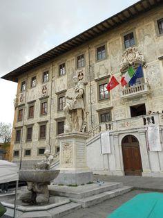 Pisa- Dopo la Piazza dei Miracoli, Piazza dei Cavalieri e' uno dei luoghi più visitati a Pisa, si trova nel centro storico della città ed è sede della Scuola Normale Superiore
