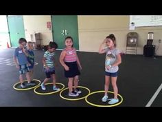Race for small kids on sports day - YouTube