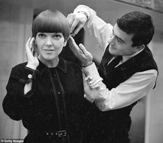 Mary Quant Bob Hairstyle - Mary Quant Bob Hairstyle British-born celebrity beard stylist Vidal Sassoon has died at his home in Los Angeles at the age of Cut My Hair, Hair Cuts, American Press, Mary Quant, Sixties Fashion, The V&a, Bond Street, Hair Images, Bob Hairstyles