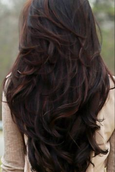 40 Best Long Layered Haircuts More Looking for the best long layered haircuts for a fresher look? In our gallery you will find the best images of Best Long Layered Haircuts that you may want Wavy Layered Hair, Brown Wavy Hair, Long Layered Haircuts, Layered Hairstyles, Braid Hairstyles, Fancy Hairstyles, Hairstyle Ideas, Haircuts For Long Hair With Layers, Long Hairstyles Cuts