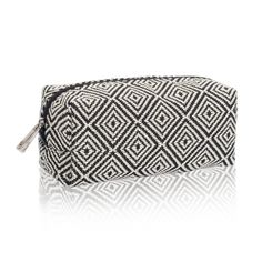 Uptown Mini Pouch in Graphic Weave for $18 - Keep your work bag organized and your luggage in order with this pouch that's a great size for both pens and pencils or makeup brushes. Toss it in your favorite Thirty-One tote or purse and you're ready to go. Via @thirtyonegifts