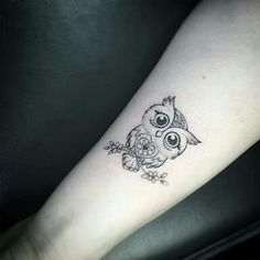 Owl Tattoo Design Ideas The Best Collection Top Rated Stylish Trendy Tattoo Designs Ideas For Girls Women Men Biggest New Tattoo Images Archive Simple Owl Tattoo, Cute Owl Tattoo, Owl Tattoo Small, Tiny Bird Tattoos, Mini Tattoos, Trendy Tattoos, Cute Tattoos, Body Art Tattoos, New Tattoos