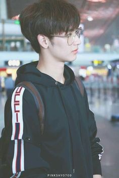 Sigam me : Yasss do amor Hot Korean Guys, Korean Boys Ulzzang, Cute Korean Boys, Korean Couple, Ulzzang Boy, Korean Men, Asian Boys, Beautiful Boys, Pretty Boys