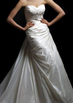 Enzoani 'Brooklyn' Size 4 Wedding Dress - Nearly Newlywed