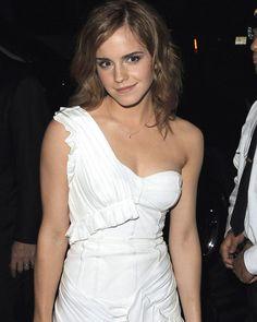 "Watson looks so ""Mythology"" Emma Love, Emma Watson Beautiful, Emma Watson Sexiest, Emma Watson Wallpaper, Emma Watson Images, Nathalie Portman, Ema Watson, Costume Institute, Classy Women"