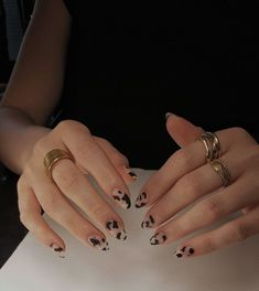 Related posts:Black nail polish with glitter nail art ideaNails in the sun - shinningClassic watch and nails Cow Nails, Aycrlic Nails, Hair And Nails, Red Tip Nails, Milky Nails, Nail Design Glitter, Nagellack Trends, Fire Nails, Nail Polish