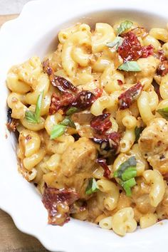 Skinny Chicken & Sun-Dried Tomato Pasta with Mozzarella