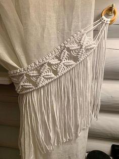 Macrame Wall Hanging Diy, Macrame Curtain, Boho Curtains, Beaded Curtains, Macrame Bag, Curtain Holder, Curtain Tie Backs, Boho Cushions, Macrame Design