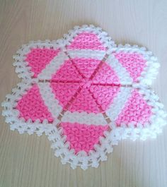 Pink White Hexagonal Fiber We share lots of of fiber fashions that you'll like very a lot. If you wish to knit fiber and in search of new fashions are in the suitable place. Go to the fiber samples class for lots of of latest fashions and narrated fibers. Crochet Stars, Knit Crochet, Crochet Toilet Roll Cover, Scandinavian Dining Table, Study Table Designs, Moda Emo, Crochet Bedspread, Designs To Draw, Doilies