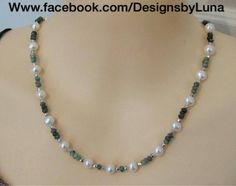 Emerald stone and pearl necklace