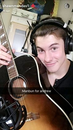 Shawn gives me life! Snapchat News, Shawn Mendes Snapchat, Mendes Army, Shawn Mendez, Magcon Boys, Luke Hemmings, To My Future Husband, My Boyfriend, Celebrities