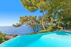Water's edge property dating from 1920 enjoying outstanding sea views close to Monaco with direct access to the sea in a calm and privileged location. #Waterfront property direct access to sea in Cap d'Ail #frenchriviera #monaco #montecarlo #capdail #seafront