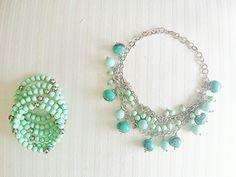 Colla y pulsera verde