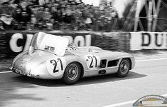 LM 1955 ♦ The Mercedes-Benz 300 SLR #21 of Karl Kling and André Simon, here showing the air brake fully deployed. Perhaps the least photographed of the three SLRs racing that fateful day.