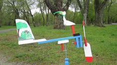 Crane and a frog (Never give up) - Wind-driven wooden whirligig. Wood For Sale, Handmade Wooden, Never Give Up, Crane, Making Out, Rooster, Toys, Outdoor Decor