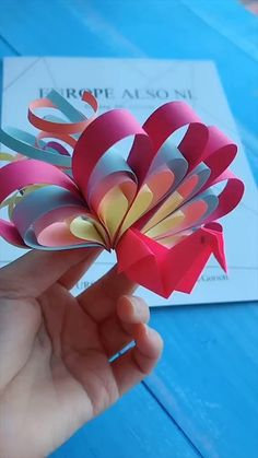 Diy Crafts Hacks, Diy Crafts For Gifts, Creative Crafts, Paper Crafts Origami, Paper Crafts For Kids, Paper Mache Crafts, Diy Embroidery Flowers, Instruções Origami, Craft Work