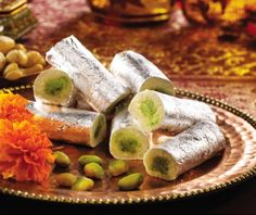 Sometimes sweets are served with meal an often included as a form of greeting, celebration, religious and offering as a gift at a party and hospitality in India. Nowadays, you can buy Indian sweets online as well. Sweet Dishes Recipes, Snack Recipes, Pakistani Desserts, Sweets Photography, Cooking Recipes In Urdu, Urdu Recipe, Android, Indian Sweets, Free Download