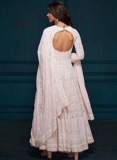 Kurta Designs, Kurti Designs Party Wear, Indian Gowns Dresses, Pakistani Dresses, Indian Fashion Dresses, Flapper Dresses, Pakistani Suits, Girls Dresses, Flower Girl Dresses