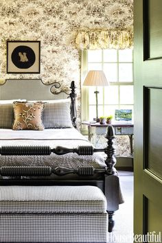 french country style Graceful prints and a muted palette create a cozy bedroom in this North Carolina mountain getaway designed by Jane Hawkins Hoke. The walls and valances feature Brunschwig & Fils hound-dog toile. French Country Rug, French Country Bedrooms, French Country Decorating, French Country Interiors, French Decor, French Style, Beautiful Bedroom Designs, Beautiful Bedrooms, House Beautiful