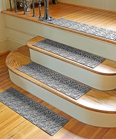Medium Gray Dogwood Leaf Stair Treads - Set of Four | zulily
