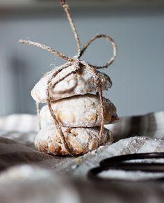 Plätzchen mit weißer Schokolade   http://eatsmarter.de/rezepte/platzchen-mit-weisser-schokolade (Christmas Bake Brownies)
